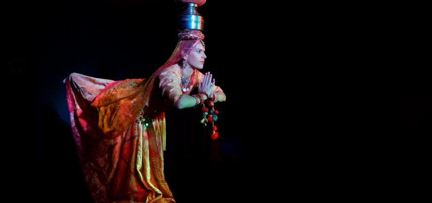 Haáz Eszter rádzsasztáni táncos