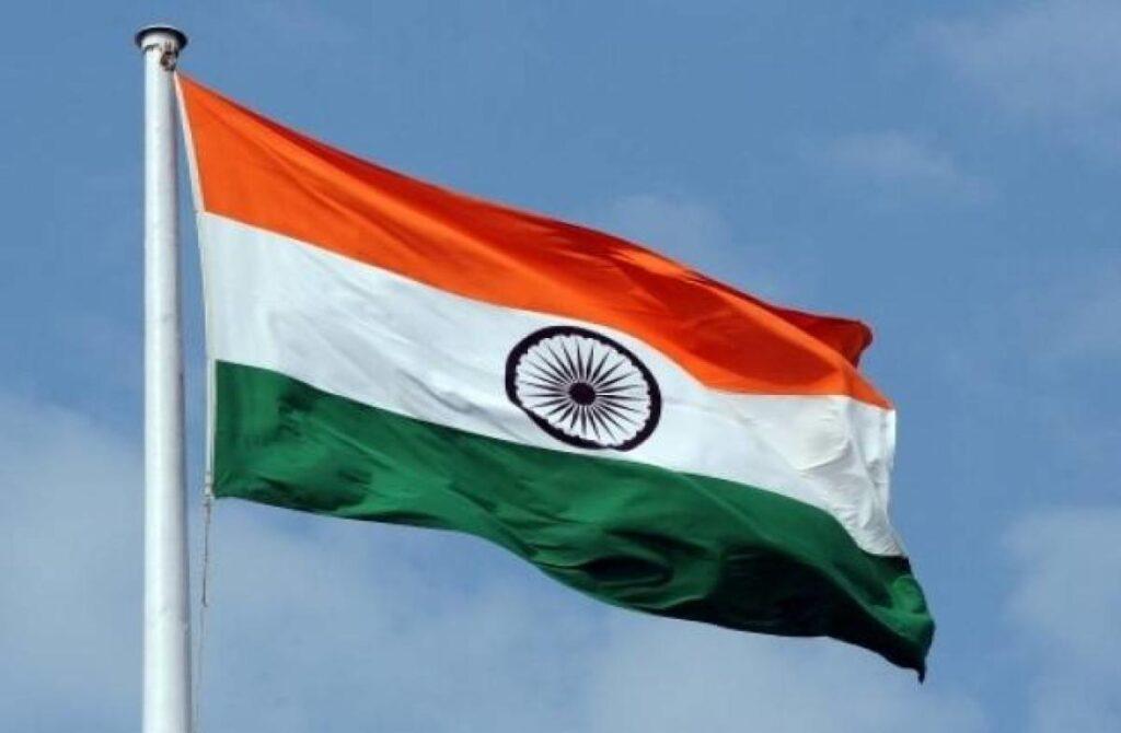 India zászlaja selyemből